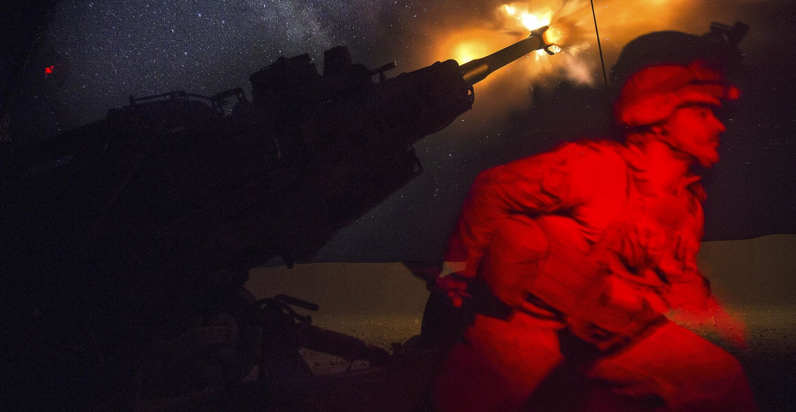 A Marine fires an M777A2 howitzer in Syria, 3 June, 2017. (Photo: US Defense)