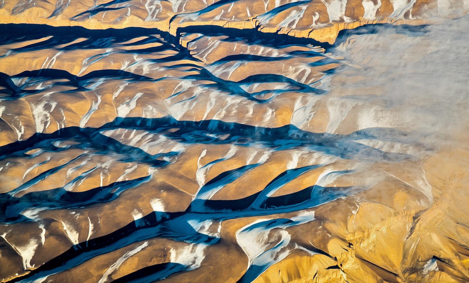 Mountain range in Afghanistan. (Photo: Pierpaolo Lanfrancotti/ unsplash)