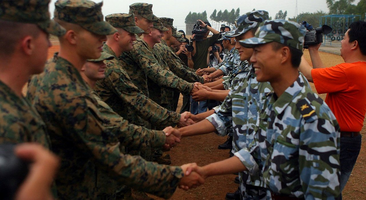 US Marines meet PLA Marines during a 2006 joint exercise (Wikimedia Commons)