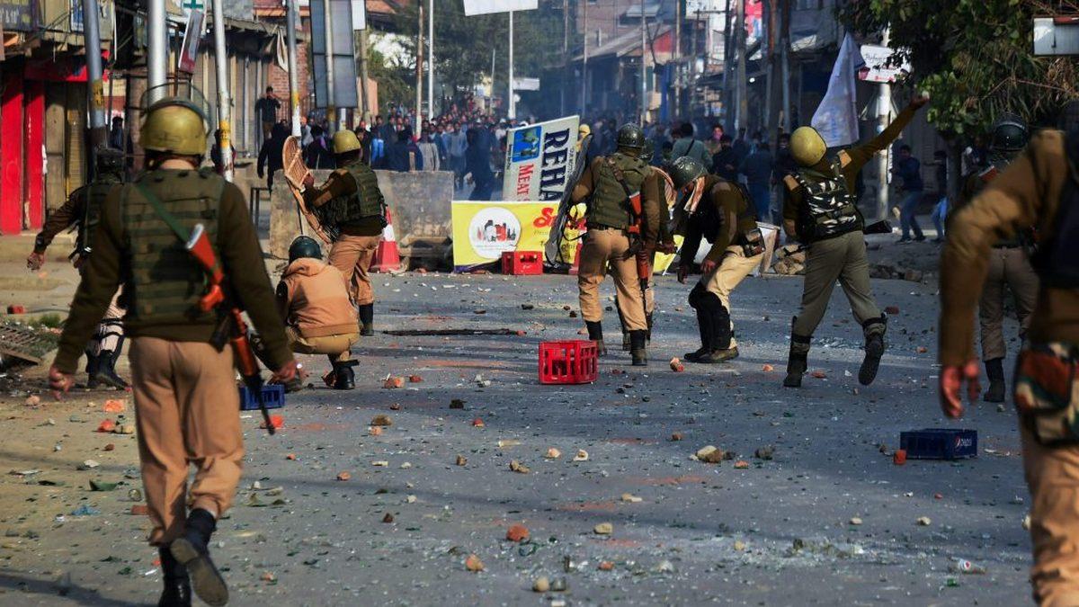 Civilian casualties increase in Kashmir (Photo: Kashmir Global/ Flickr)